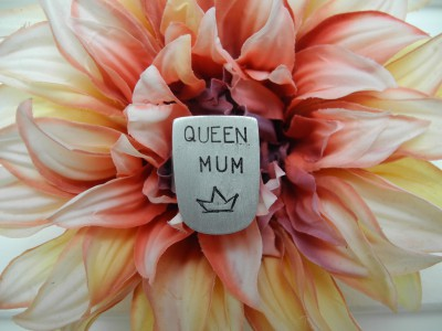 Ring Queen Mum