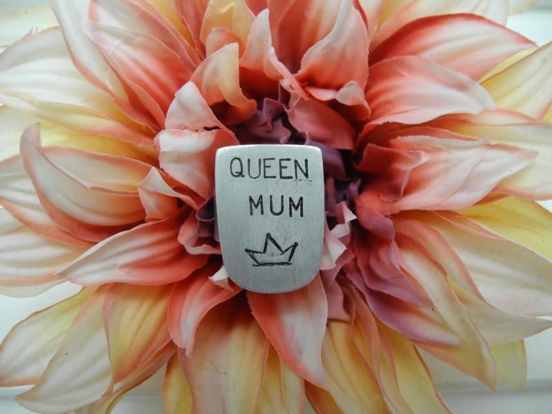 Ring Queen Mum